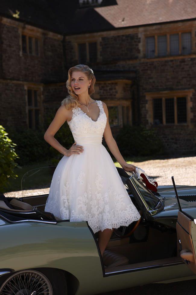 6-of-the-best-romantica-of-devon-gowns-bali