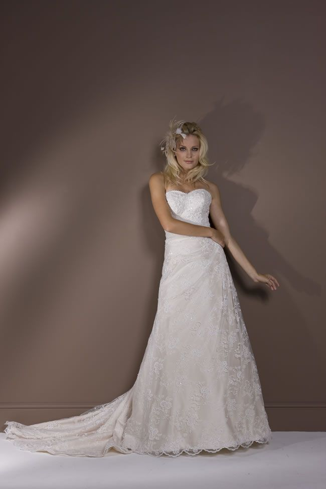 6-of-the-best-romantica-of-devon-gowns-virginia