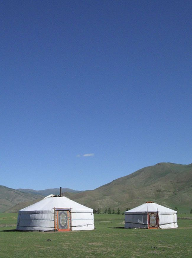 7-amazing-off-the-beaten-track-honeymoon-destinations-mongolia