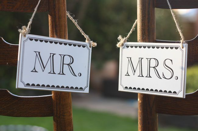 7-of-the-best-new-wedding-signs-and-sayings-for-2014-This-way-to-the-I-Dos-Sign-6.50-The-Wedding-of-my-Dreams--Credit-Daffodil-Waves-Photography-(136)-Mr-and-Mrs-signs-6-The-Wedding-of-my-dreams