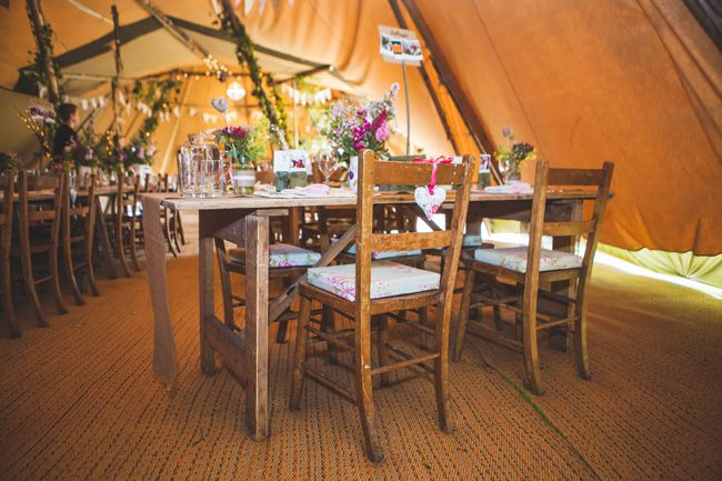 7-quick-and-easy-rustic-wedding-details-that-wont-blow-the-budget-CHAIRS-chrisbarberphotography.co.uk--HelenWill-446