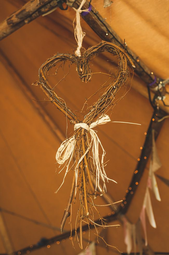 7-quick-and-easy-rustic-wedding-details-that-wont-blow-the-budget-NATURAL-DECS---chrisbarberphotography.co.uk--HelenWill-464