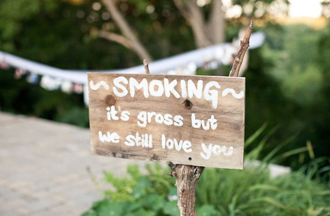 7-quirky-wedding-signs-spotted-at-real-life-weddings-Jayme-Van-Geest-Photography