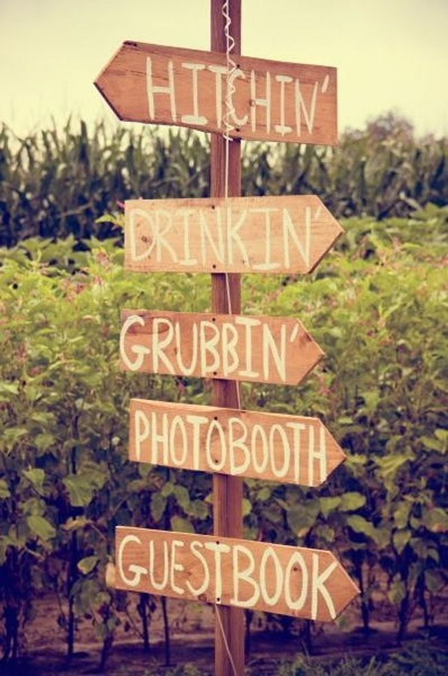 7-quirky-wedding-signs-spotted-at-real-life-weddings-amandaperkinsphotography.com