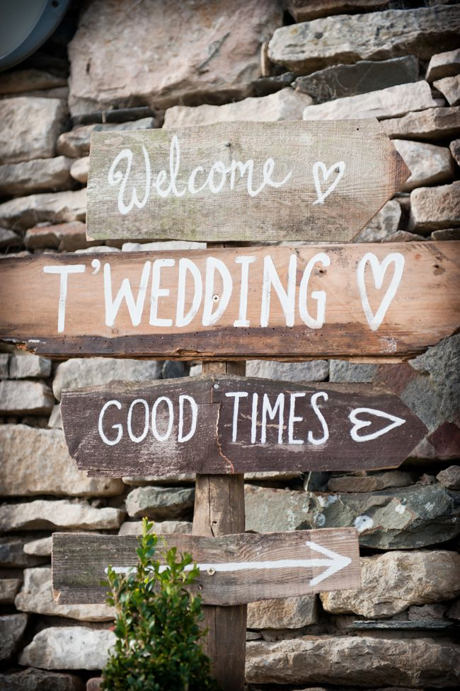7-quirky-wedding-signs-spotted-at-real-life-weddings-andreapickering.com