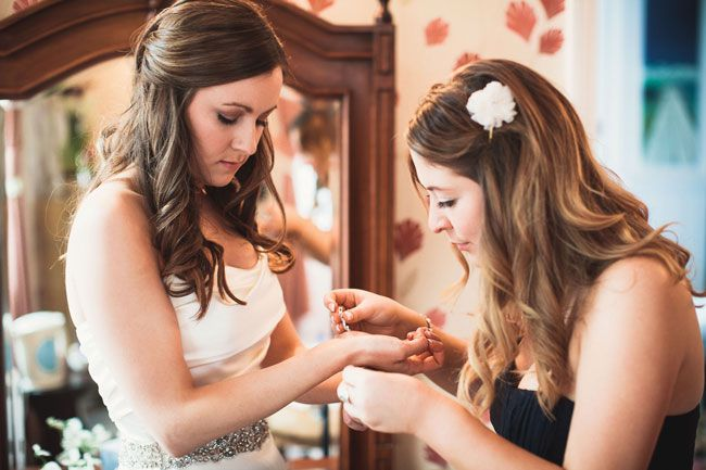 8-ways-to-save-money-on-your-bridal-accessories-and-still-look-fab-albertpalmerphotography.com-Sophie-&-Max-Colour-098