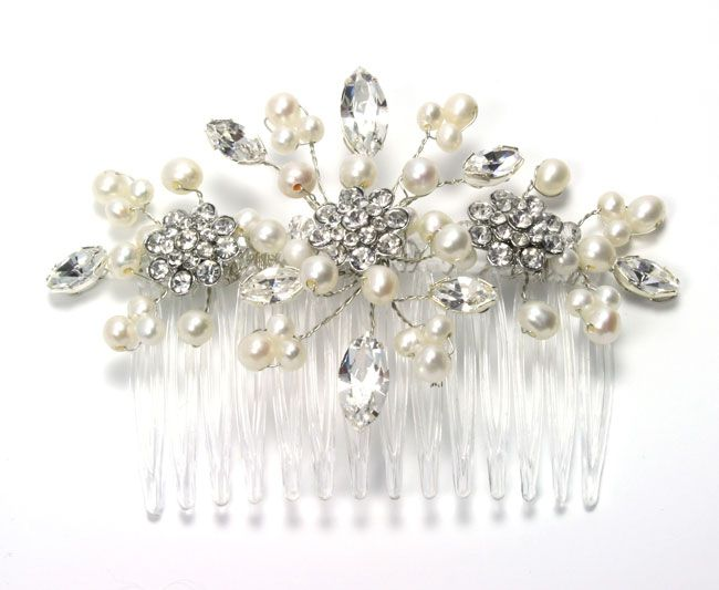 8-ways-to-save-money-on-your-bridal-accessories-and-still-look-fab-julieannbeads.co.uk-Sophia-Comb-59.00