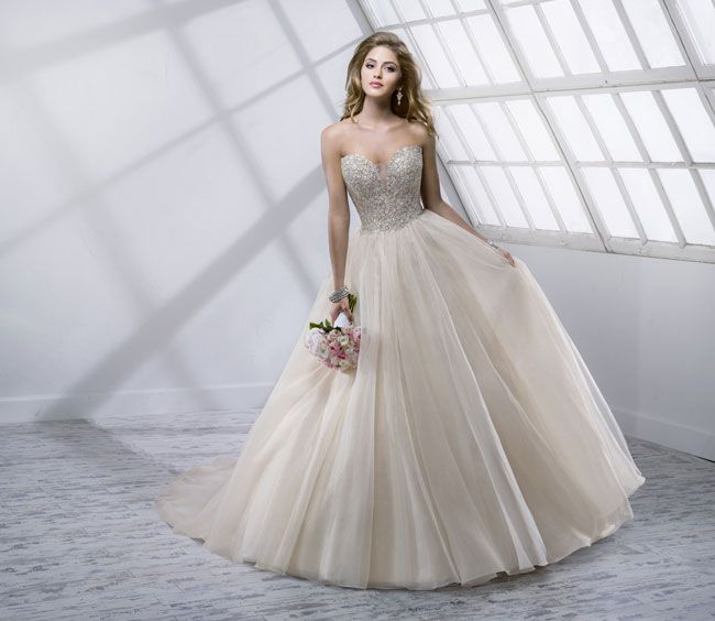 9-knockout-wedding-dresses-for-2014-from-sottero-and-midgley-Angelette-4SS811_Front