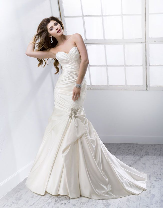 9-knockout-wedding-dresses-for-2014-from-sottero-and-midgley-Campbell-4SW813_Front