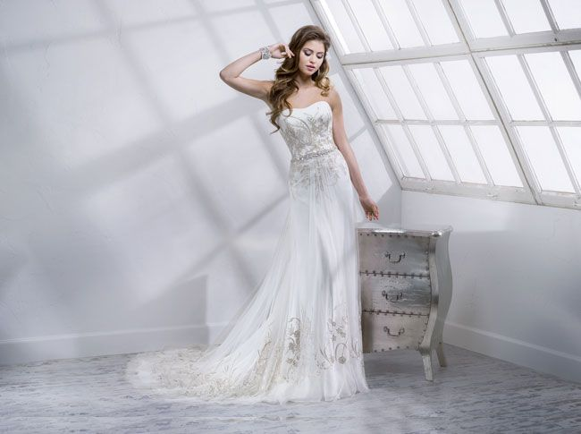 9-knockout-wedding-dresses-for-2014-from-sottero-and-midgley-Keaton-4SC806_Front