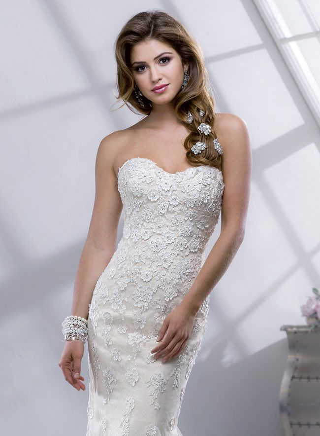 9-knockout-wedding-dresses-for-2014-from-sottero-and-midgley-Paula-4SS803V_Front1