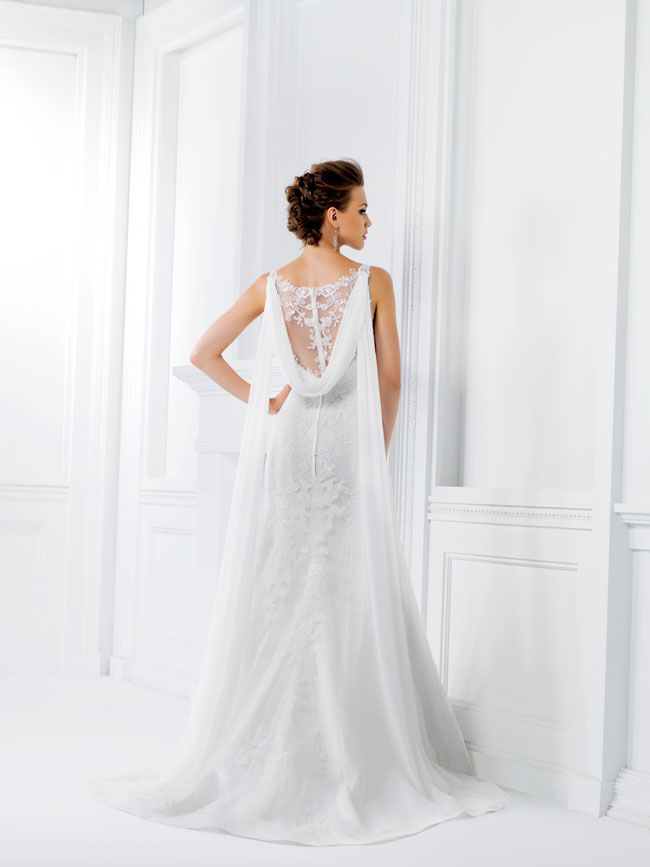 9-of-the-best-new-dresses-for-glamorous-wedding-themes-F161007-B