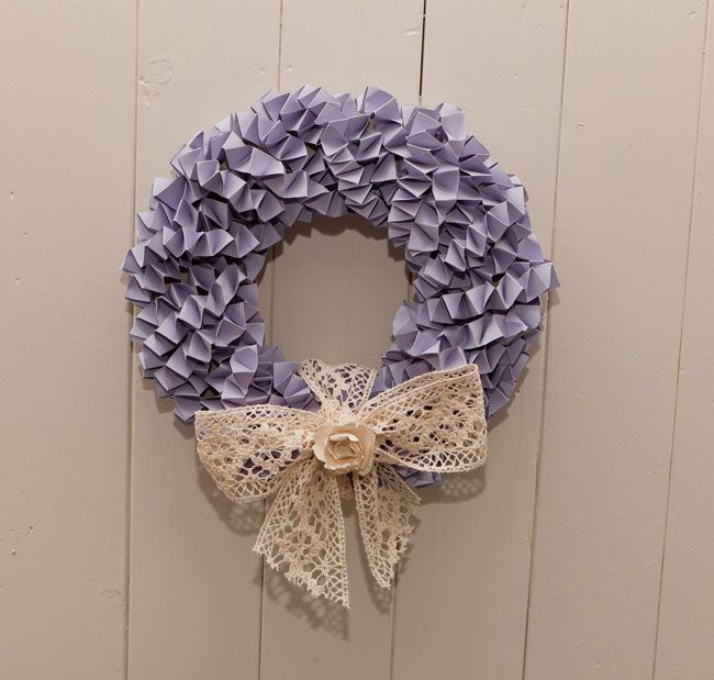 calling-all-diy-brides-heres-how-to-make-a-wedding-wreath-decoration-1-130214CFP074