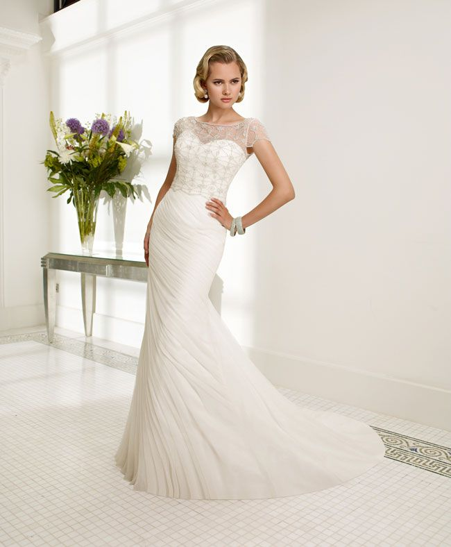 create-your-perfect-bridal-silhouette-with-a-dress-from-ronald-joyce-68002_raffaella