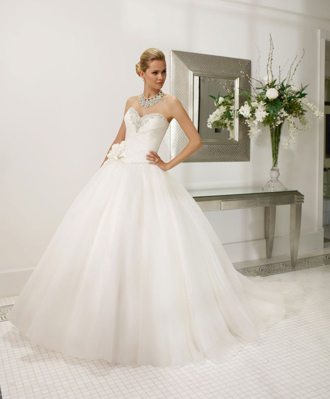 create-your-perfect-bridal-silhouette-with-a-dress-from-ronald-joyce-68003_-Rainelda