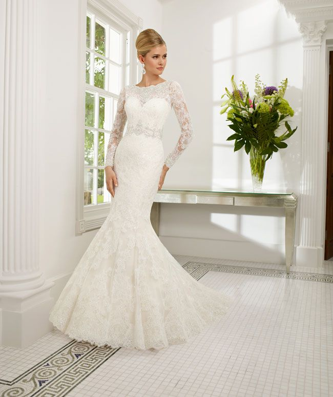 create-your-perfect-bridal-silhouette-with-a-dress-from-ronald-joyce-68004_rebecca