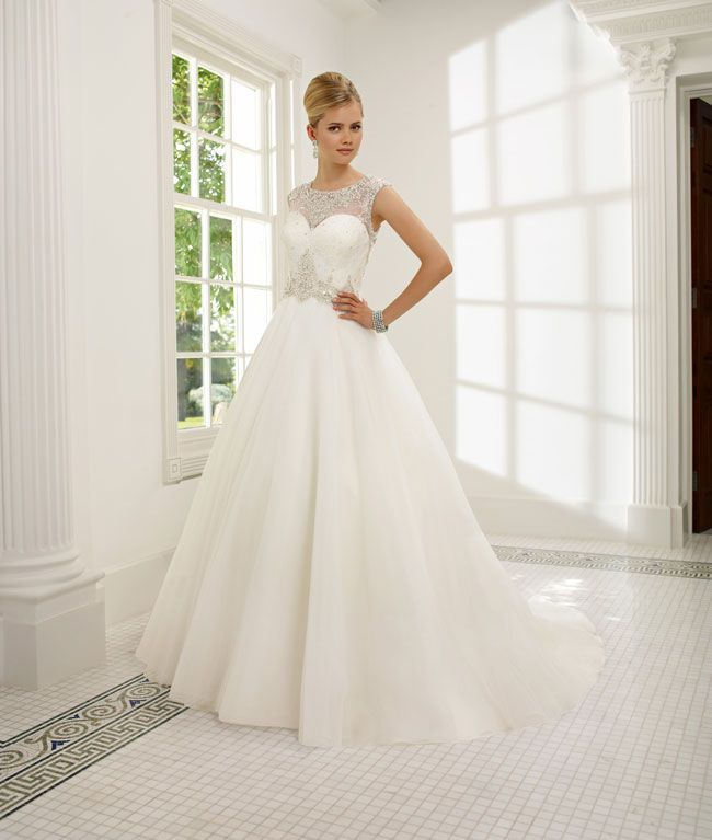 create-your-perfect-bridal-silhouette-with-a-dress-from-ronald-joyce-68007_riccarda