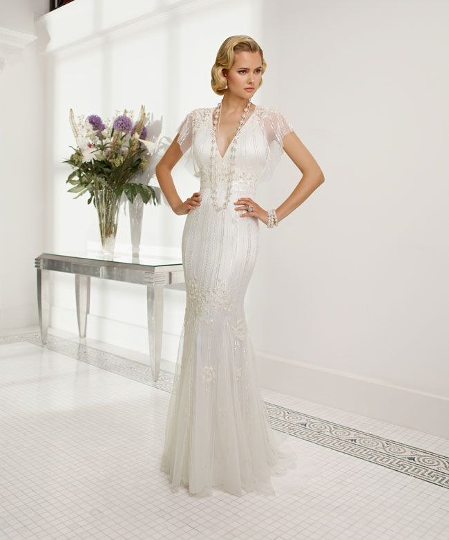 create-your-perfect-bridal-silhouette-with-a-dress-from-ronald-joyce-68024_Rachele