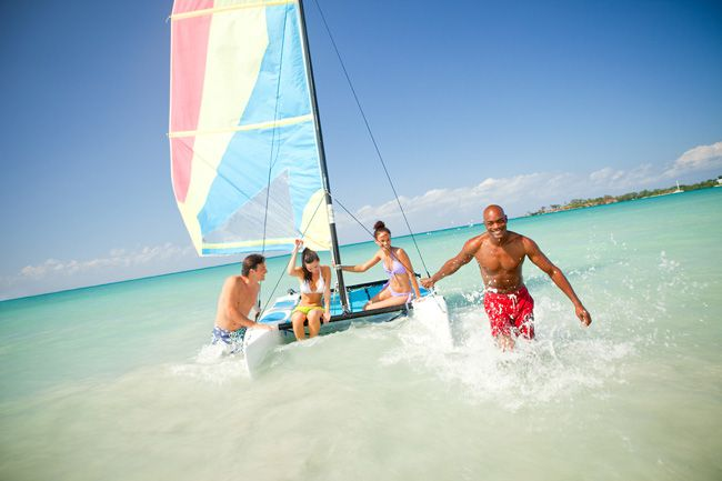 dreaming-of-a-wedding-abroad-read-this-quick-qa-with-couples-resorts-CNG-Sunfish-Sailing