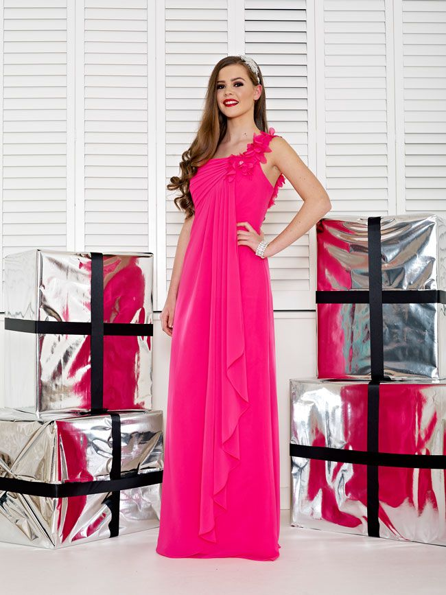 glamorous-wedding-theme-we-love-these-new-black-bridesmaid-dresses-Style-2231