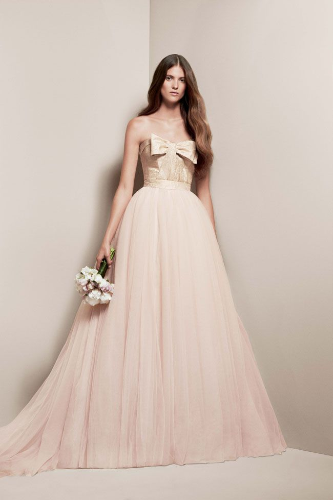 made-you-blush-introducing-the-wedding-colour-for-2014-VW351213_White-by-Vera-wang-blush-and-gold-1095