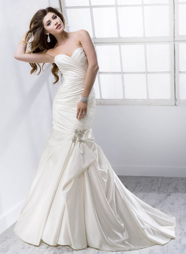 new-sottero-and-midgley-collection-boasts-art-deco-inspired-details-Campbell