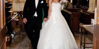 real-brides-reveal-their-wedding-dress-shopping-experiences-Amanda-Allen-Dress2