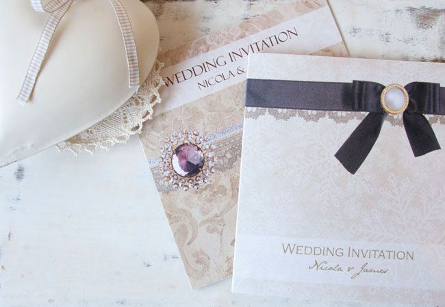 save-an-exclusive-10-on-wedding-stationery-with-the-card-gallery-Vintage-Damask_Vintage-Snowflake