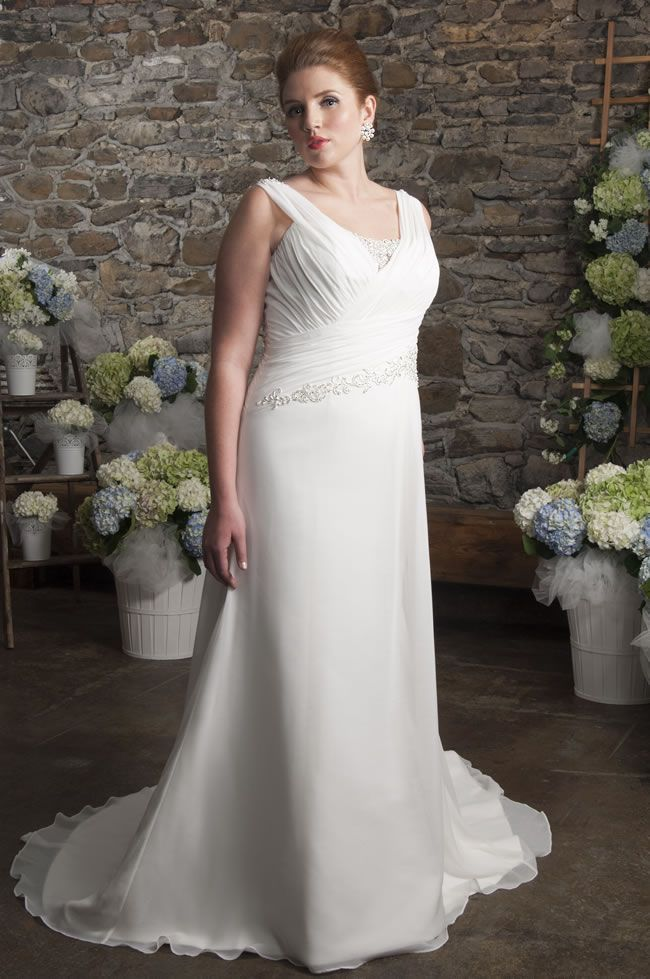 there-are-styles-to-suit-every-plus-size-bride-in-the-new-callista-collection-for-2014-www.callistabride.com-4223