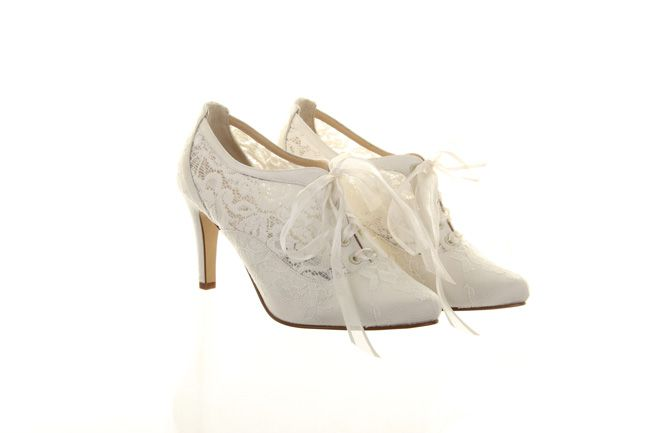 vintage-brides-will-love-the-new-hassall-wedding-shoes-for-2014-Rainbow-Club_Hassall_Heartbeat_210