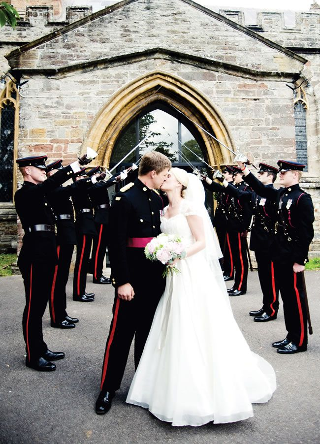 we-love-hannah-and-steves-beautiful-military-wedding-with-an-english-country-garden-theme-kerrydiamondphotography.com-Penny-Foster-Photography-Hannah&Steve21Jul-154