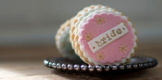 10-incredible-edible-wedding-favours-your-guests-will-love-nila-holden-featured
