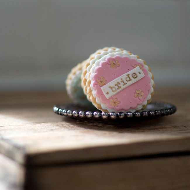 10-incredible-edible-wedding-favours-your-guests-will-love-nila-holden