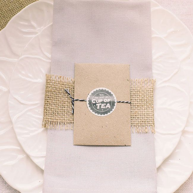 10-incredible-edible-wedding-favours-your-guests-will-love-personalised-love-Fairtradeteabag-The-wedding-of-my-dreams-1.10