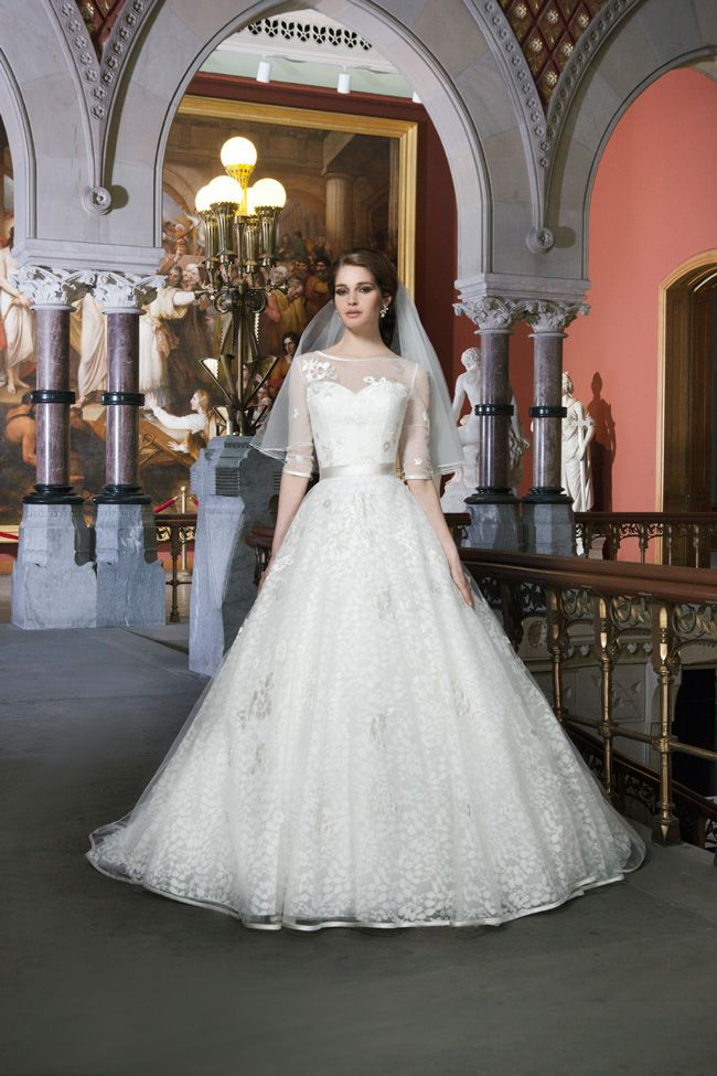 20-of-the-best-wedding-dresses-with-flowers-for-2014-Justin-alexander-8712_026