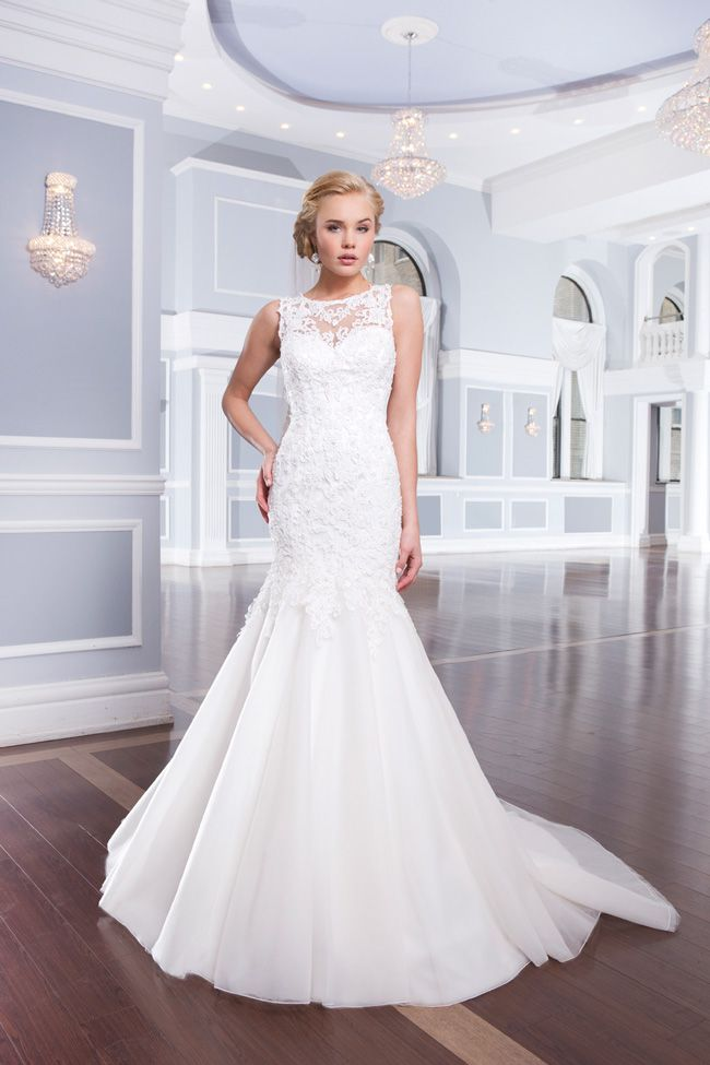 20-of-the-best-wedding-dresses-with-flowers-for-2014-Lillian-West-6315_120