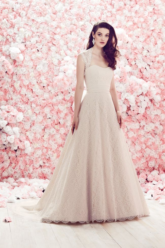 20-of-the-best-wedding-dresses-with-flowers-for-2014-Mikaella-1851f