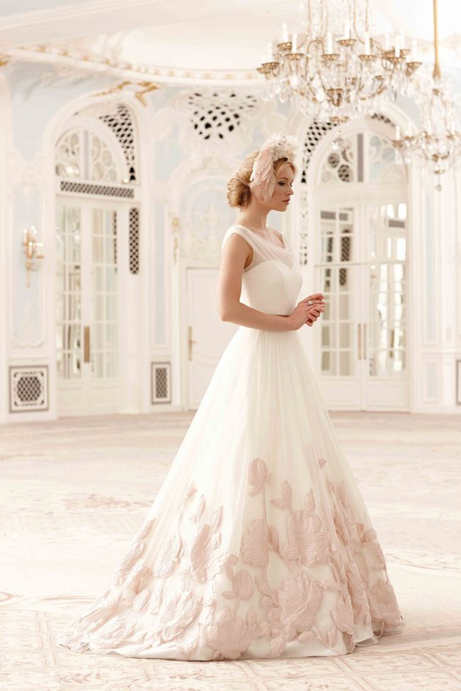 20-of-the-best-wedding-dresses-with-flowers-for-2014-Sassi-Holford-2014_Matilda-2