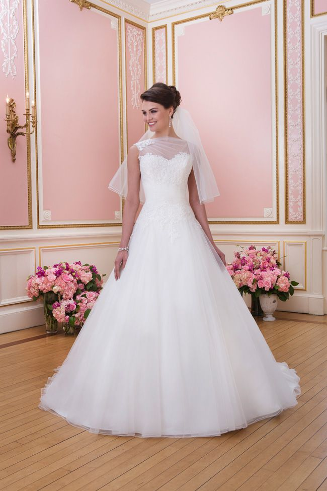 20-of-the-best-wedding-dresses-with-flowers-for-2014-Sincerity-sweetheart-6027_013