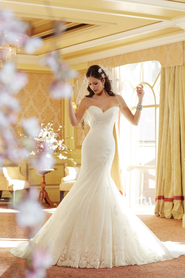 20-of-the-best-wedding-dresses-with-flowers-for-2014-Y11406_Talisa-sophiatolli.co.uk