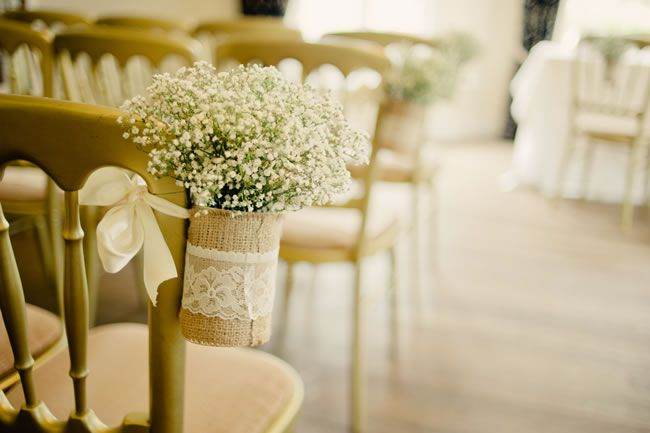21-ways-to-decorate-your-wedding-venue-with-flowers-kerriemitchell.co.uk-4