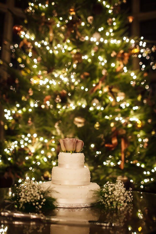 21 ways to decorate your wedding venue with flowers © linaandtom.com