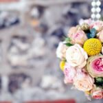 21-ways-to-decorate-your-wedding-venue-with-flowers-navyblur.co.uk-3-feat