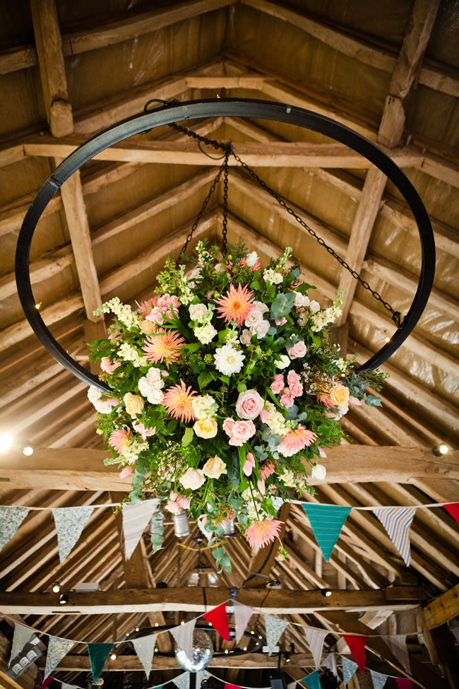 How To Decorate A Short Narrow Living Room: 21 Ways To Decorate Your Wedding Venue With Flowers
