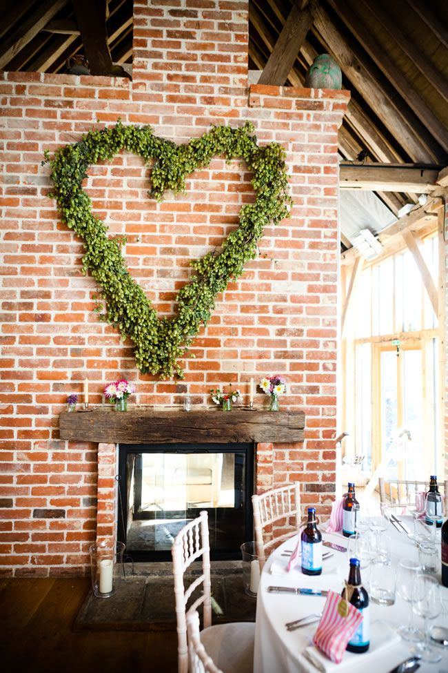 21-ways-to-decorate-your-wedding-venue-with-flowers-sarahleggephotography.co.uk-3