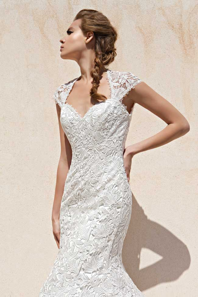 24-of-the-best-wedding-dresses-with-flowers-for-2014-Engracia-Donna-Salado