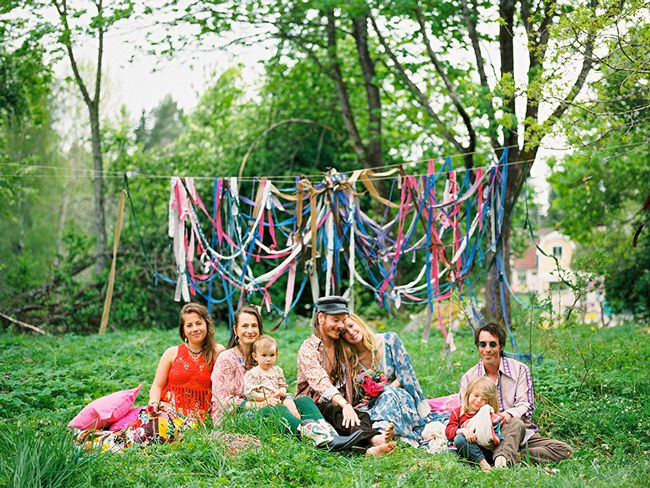 5-off-the-wall-wedding-themes-for-quirky-couples-forest-hippie-wedding-2brides.se