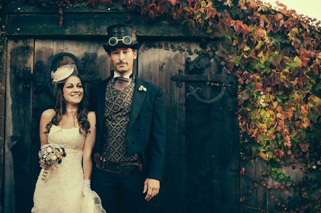 5-off-the-wall-wedding-themes-for-quirky-couples-paul_and_danielle_steampunk_wedding-www.hyperxp.com