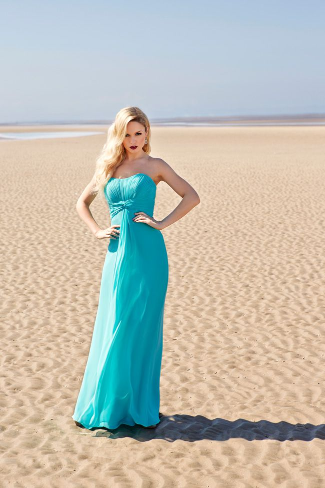 7-essential-dress-tips-that-will-keep-your-bridesmaids-happy-Shot-2_0103