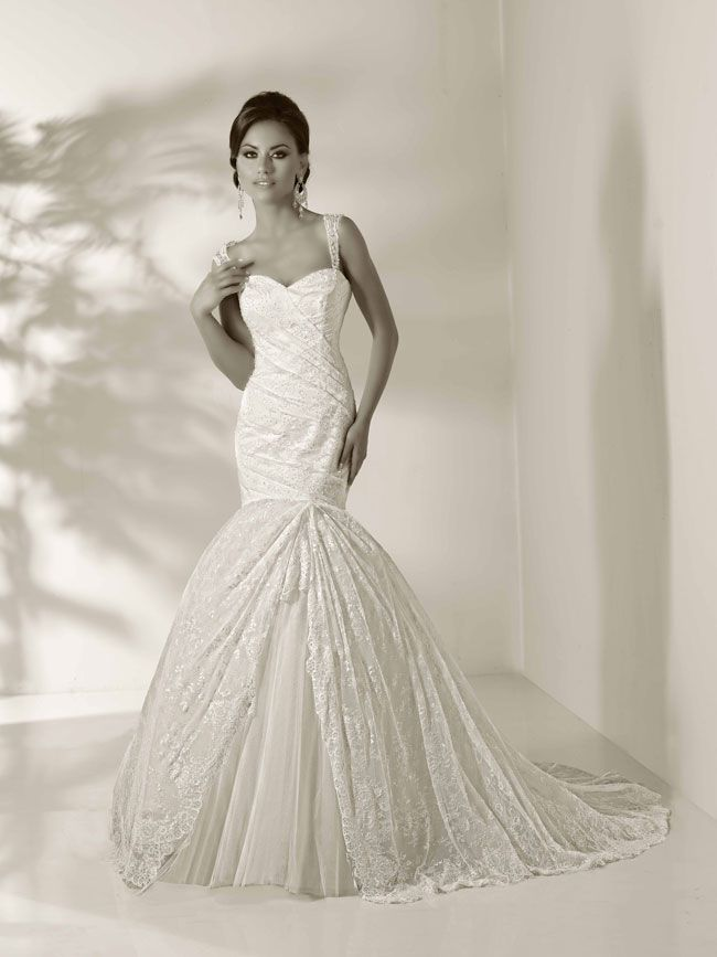 8-gorgeous-new-wedding-dresses-that-will-work-with-your-theme-glam-12838_Amanda-Glamorous